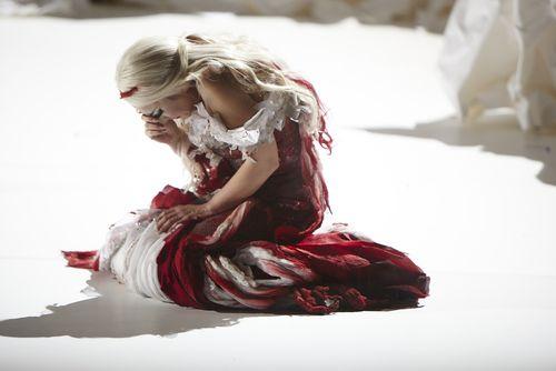 Carmela Remigio como Donna Anna. Fotografía: Autumn de Wilde