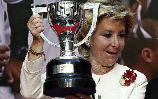 Esperanza-Aguirre-trofeo-Liga