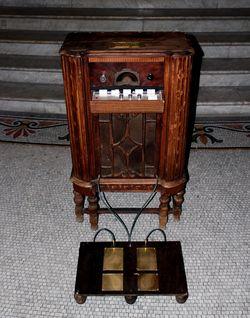 Instalación Caja de Ritmo Toques de Arcangel Constantini