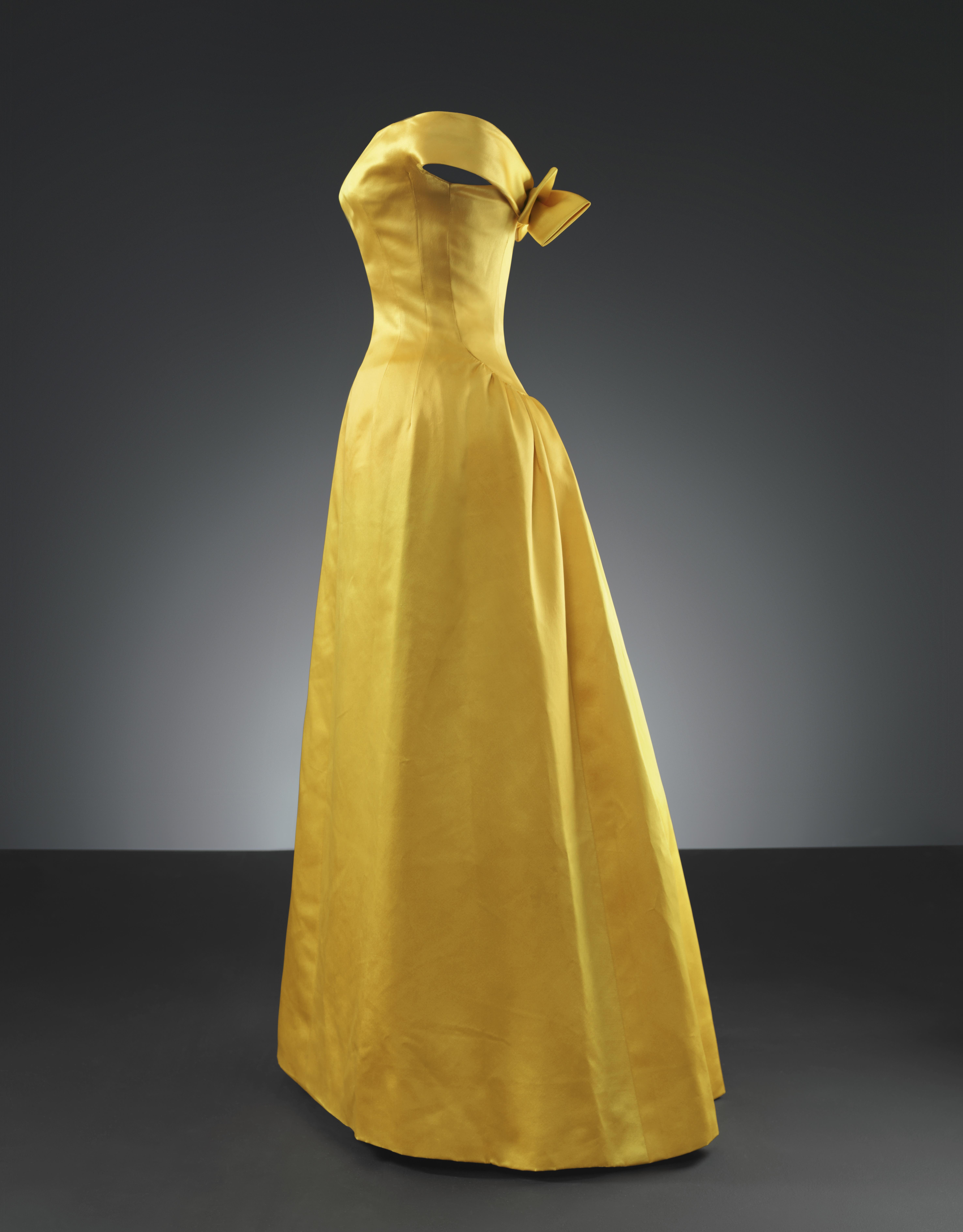 Blogs Faldas El Trajesgt; Y Museo Balenciaga De Cambia gt; Delitos OP0n8kw