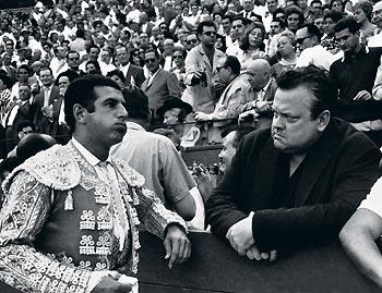 Antonio Ordóñez en Pamplona junto a su amigo Orson Welles. Foto: Canito