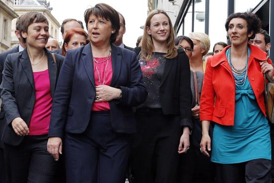Las diputadas Audrey Linkenheld, Martine Aubry, Axelle Lemaire y Chaynesse Khirouni (de izquierda a derecha). / JOEL SAGET (AFP)