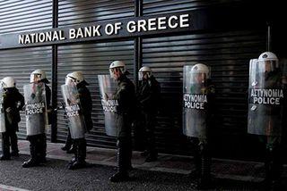 Policia_Grecia_BancoNacional