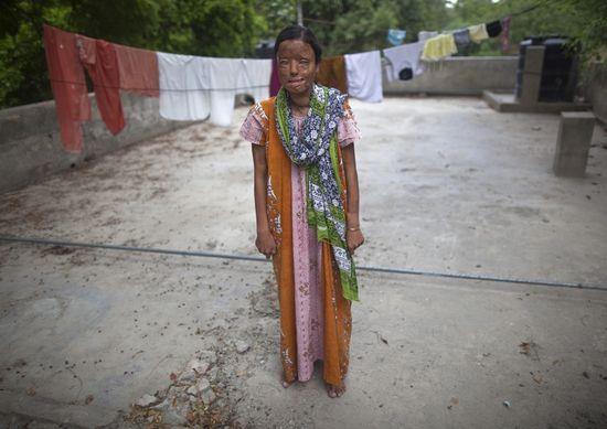 Solani Mukherjee, en el templo sij de Nueva Delhi, donde ha recibido refugio./ Ahmad Masood (Reuters)
