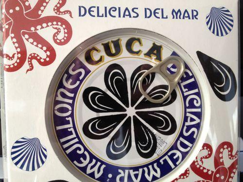 Lata de mejillones con diseño de cerámica de Sargadelos