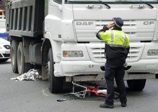 Bicicleta arrollada por camión. Andreu Dalmau
