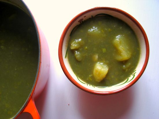 Sopa de alcachofas patata puerro