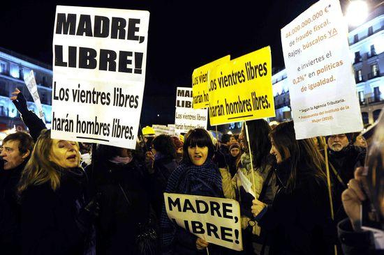 Manifestación de la 'marea violeta' en Madrid. DOMINIQUE FAGET (AFP)
