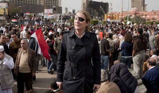 Marie Colvin en la plaza Tahrir de El Cairo. EFE/IVOR PRICKETT /THE SUNDAY TIMES/HO HANDOUT