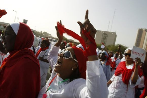 2012-02-24T222400Z_2116328694_GM1E82P0HV401_RTRMADP_3_SENEGAL-ELECTION