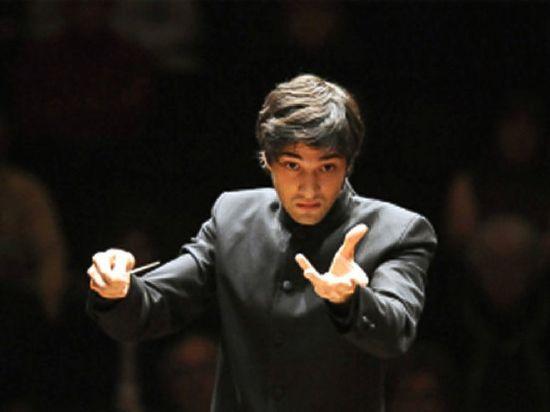 David_Afkham_conductor_1_800w_600h