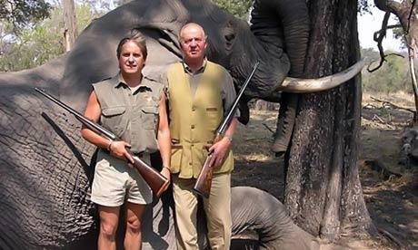 Juan Carlos en la caza del elefante