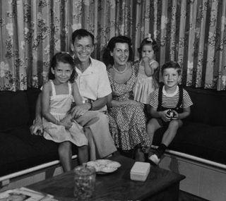 Sinatra y familia