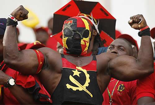 Photoblog Las Palancas tuvieron el fuerte apoyo de su aficion (Angola 0 - Tunez 0)