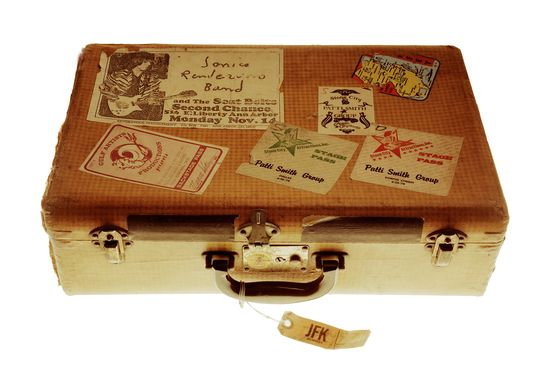 Traveling-suitcase Getty