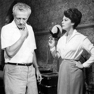 Nicholas Ray y Ava Gardner en el rodaje de 55 días en Pekin