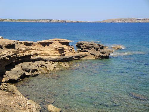 Rocas de la bahía de Fornells