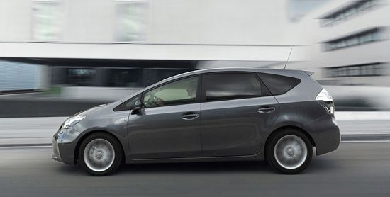 Toyota Prius+ lateral