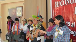 Compromiso de dirigentes indígenas andinos