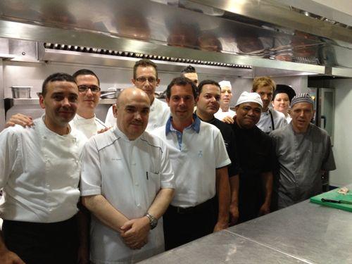 Equipo de cocina de El Campero con José Melero y Pascal Barbot