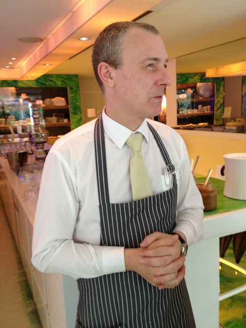 Thomas Guterzenka, encargado del Milk Bar