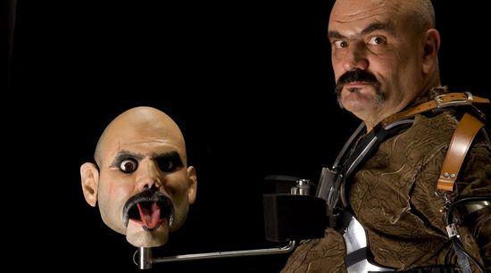 Marcel.lí Antúnez y su cabeza robotizada FOTO © Carles Rodriguez