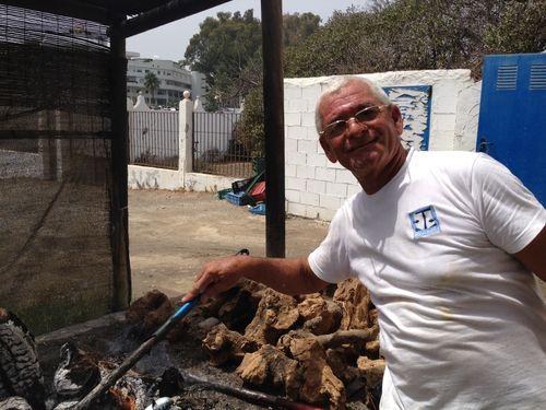 Julio Torres espetero de El Ancla