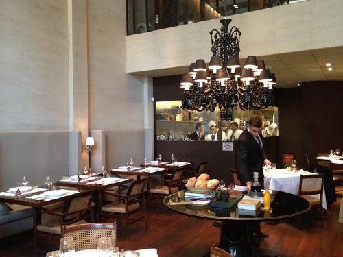 Comedor del restaurante DOM, de Alex Atala, en Sao Paulo