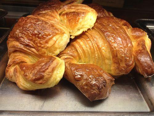 Los de la Cafetería Riofrío en Madrid, de elaboración propia, exceso de mantequilla, más que resultones cuando se hacen a la plancha