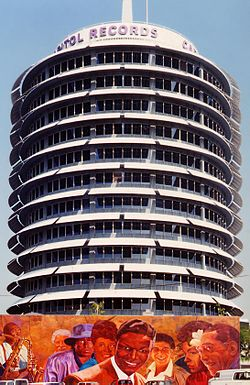 EMI-Capitol_Records_Building_LA