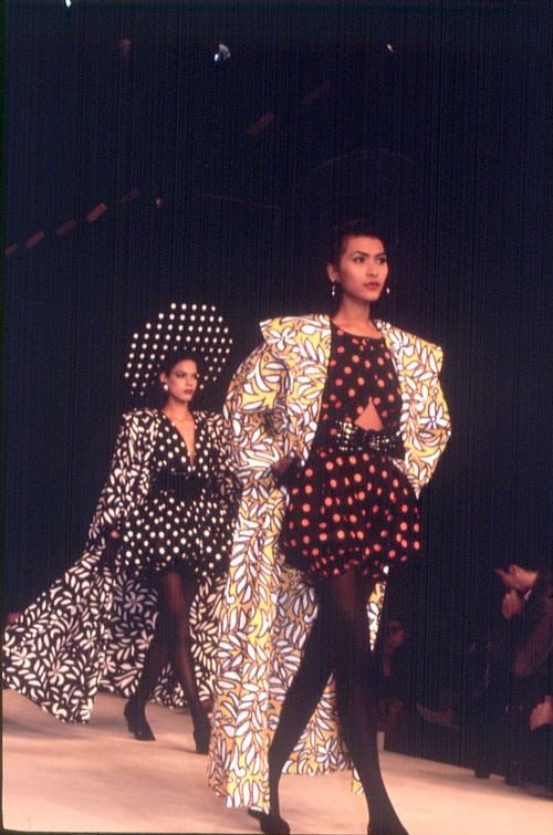 Ungaro 1987