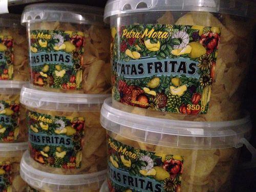 Cubos de patatas fritas de 350 gramos. Las elabora Sarriegui para Petra Mora