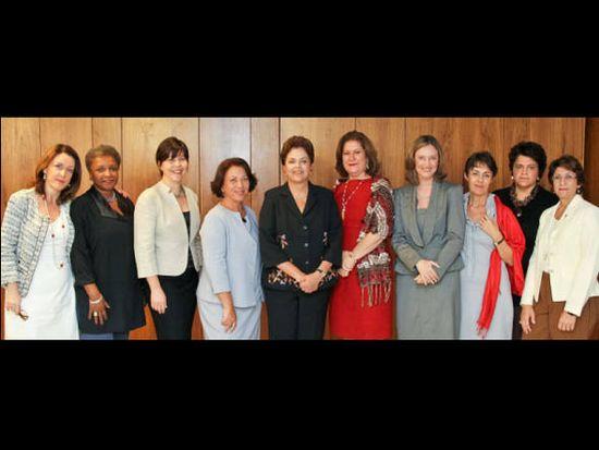 Dilma y nueve ministras
