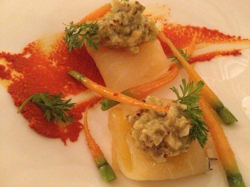 Láminas de bacalao con aliño de huevo y zanahoria