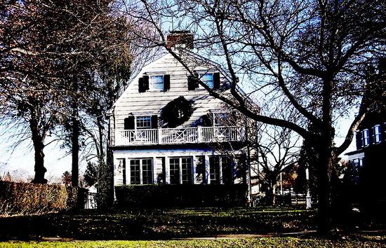 Amityville_house0