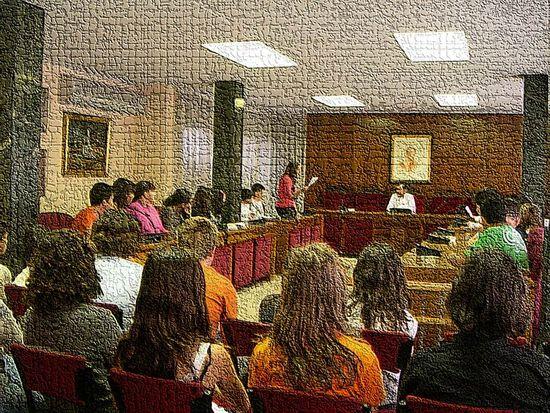 Estuvimos en la sala de reuniones del Ayuntamiento. Tres compañeros leyeron los problemas y ofrecieron las soluciones que considerábamos mejores.