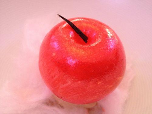 Manzana de caramelo elaborada con azúcar soplado