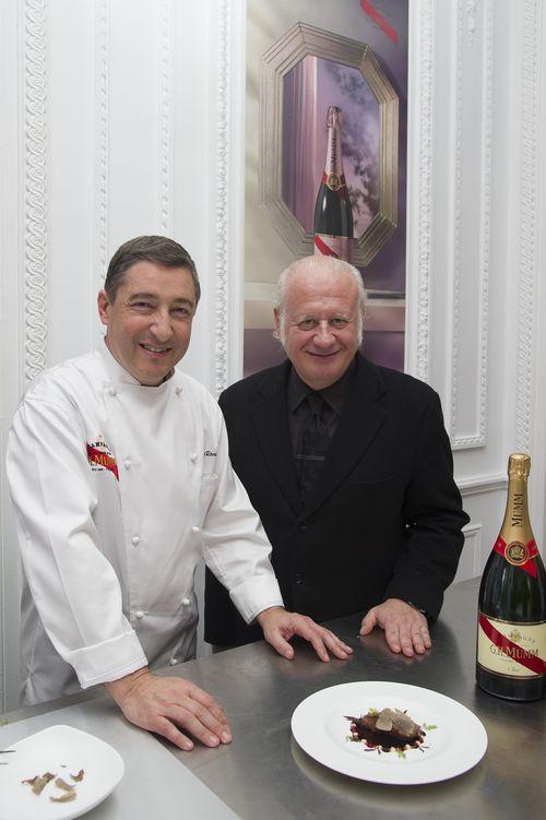 Joan Roca y Juan Echanove, que participó en el almuerzo
