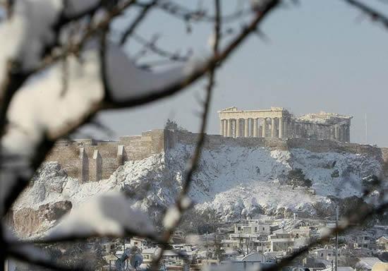 Partenón nevado