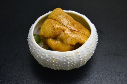 Hector Solis. Ceviche clasico de erizos