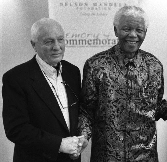 Jurgen-Mandela-at-opening-of-Schadeberg-show-by-Mandela-at-the-Mandela-Foundation-2007