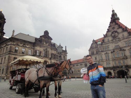 Elprincipehindu portador 60 stabri en Dresde