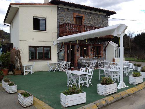 Restaurante Güeyu-Mar en la playa de Vega, término de Ribadesella