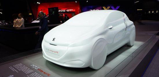 Peugeot 208 Hybrid FE | Newspress