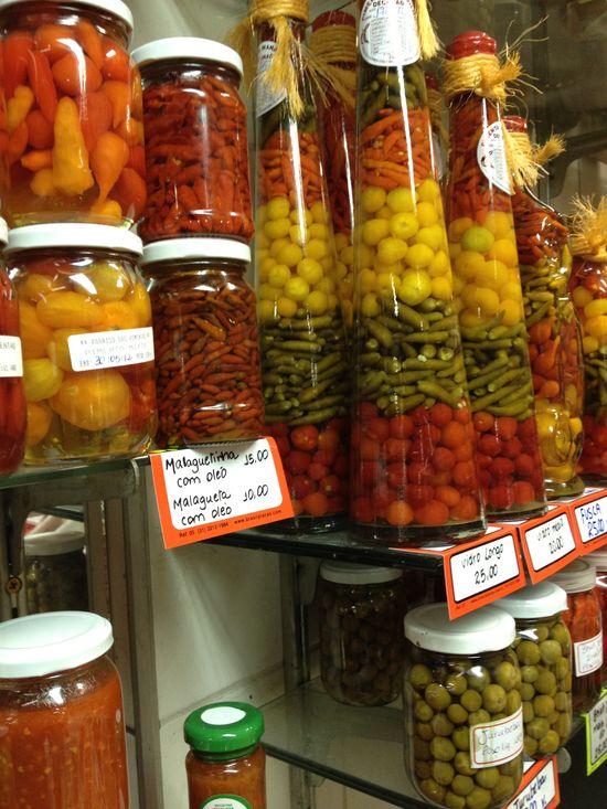 Pimientas y verduras en conserva