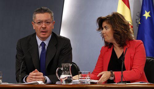 Gallardón y la vice en el Consejo de Ministros