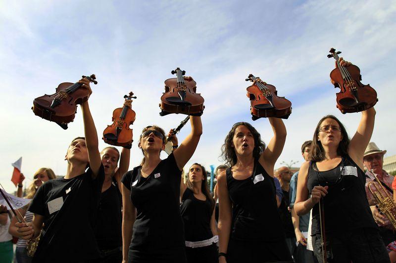 ViolinManiPeticionImagenCAXQ1BEC