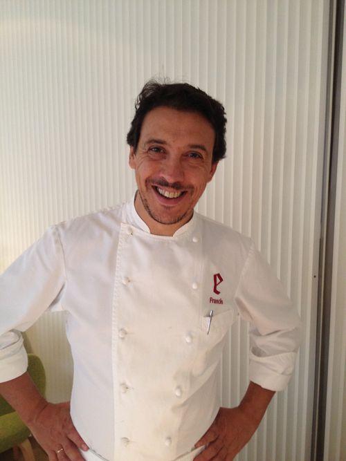Francis Paniego, en el recién reformado comedor del restaurante El Portal del Echaurren