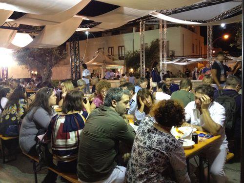 Restaurantes pop up, efímeros. Ocupan las calles de San Vito durante la semana del festival
