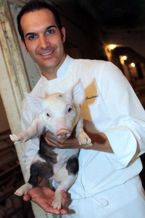 Mario Sandoval en la granja familiar